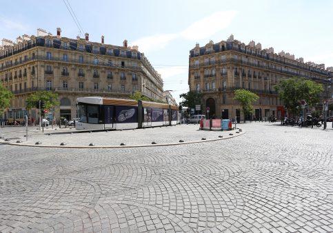 Adidas---Tramway-baies-+-portes-Marseille---Août---74439-(2)